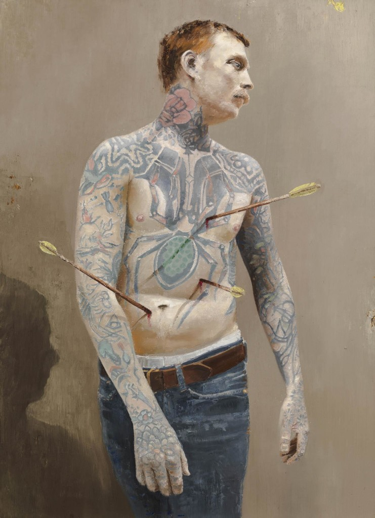 Maalaus tatuoidusta miehestä, jolla on yläkroppa paljas ja siihen uponneena kolme nuolta.